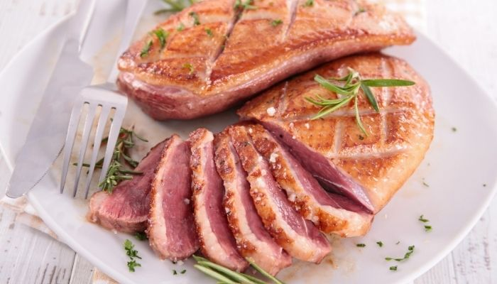 Receta de Magret de pato al horno con patatinas graten
